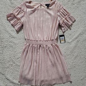 Nwt. Pink metallic dress